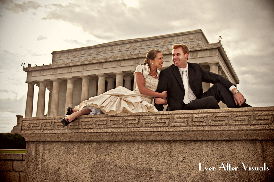 Jen and Dan's amazingness at the Lincoln Memorial - after session for their Wedding