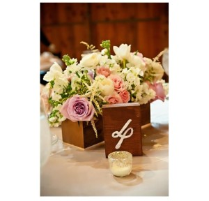 Floral centerpiece of white and pink flowers