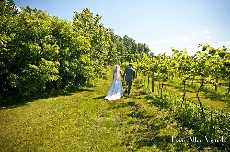 Lost-Creek-Winery-Wedding-Photography-029