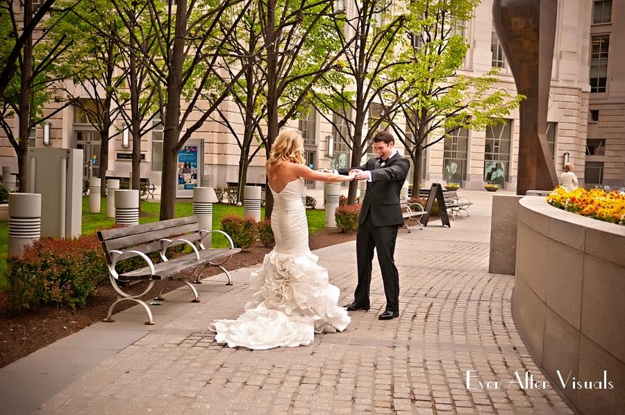 Ronald-Reagan-Building-Wedding-Photography-013
